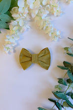 Load image into Gallery viewer, GOLD VELVET LUXE | BOW TIE