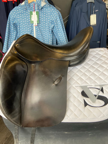 "Consignment Ridgemount Dressage Saddle 18"" Med/wide - Vision Saddlery"