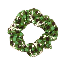Load image into Gallery viewer, Green Plaid Snowflakes