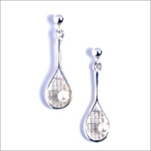 Tennis racquet earrings in sterling silver with pearl