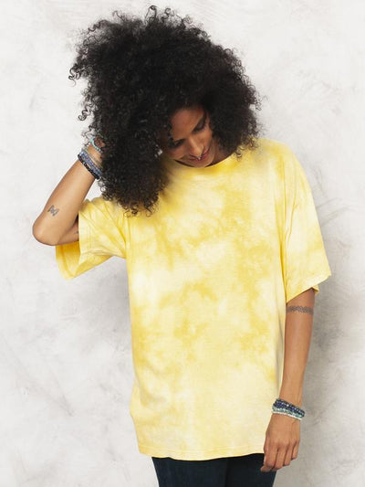 Tie Dye T-Shirt Reworked 90s T-Shirt Bleached Shirt Bohemian T-Shirt Yellow Tee Bleach Print T-shirt Women Vintage Clothing size Medium