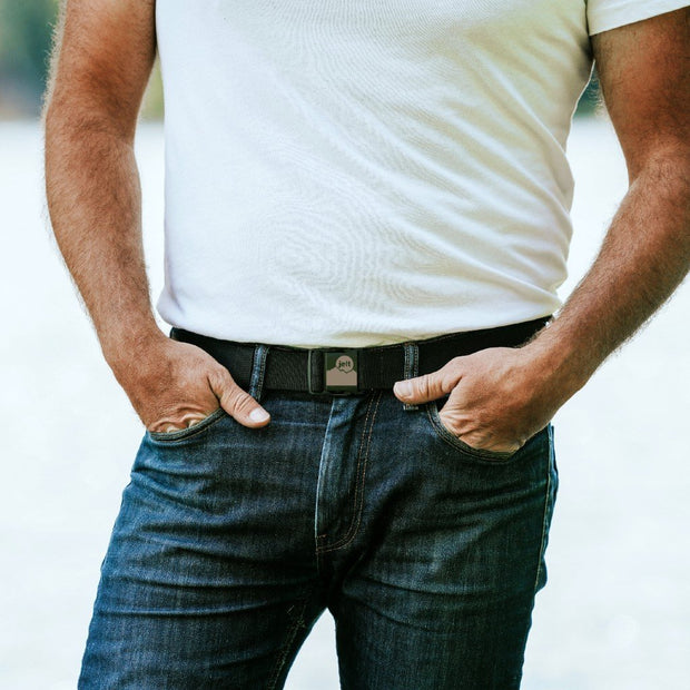 Man wearing Jelt Venture Mountain adjustable belt with a white t-shirt and jeans