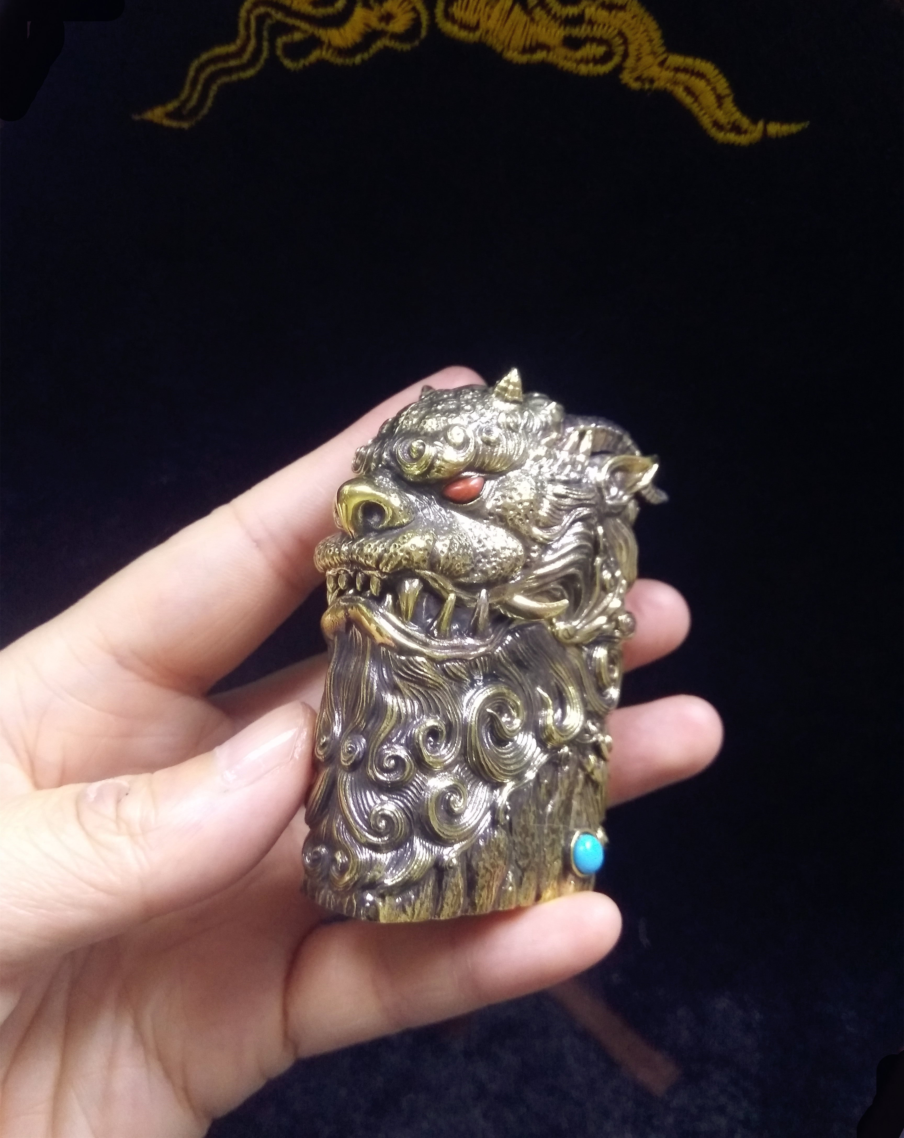 Large Dragon Zippo Light Case (Brass)