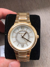 Load image into Gallery viewer, Michael Kors Women watch (Gold)