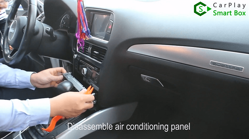 1.Disassemble air conditioning panel.