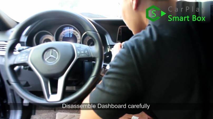 1. Disassemble dashboard carefully - Mercedes CLS 2015 NTG5.1 HU Wireless Apple CarPlay Installation - CarPlay Smart Box