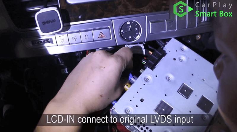 11.LCD-IN connect to original LVDS input.
