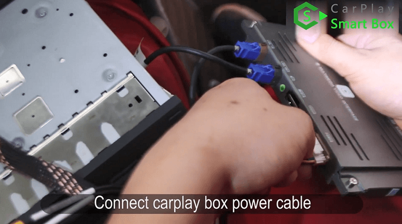 12.Connect CarPlay box power cable.