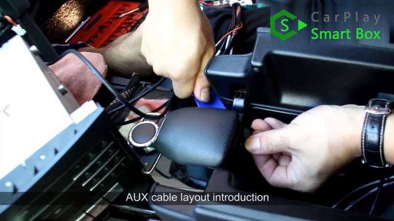 13. AUX cable layout introduction - Mercedes CLS 2015 NTG5.1 HU Wireless Apple CarPlay Installation - CarPlay Smart Box