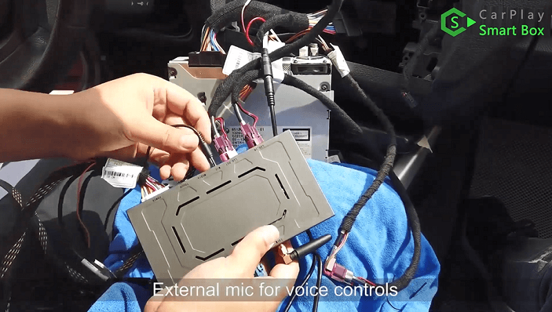14.External mic for voice controls.