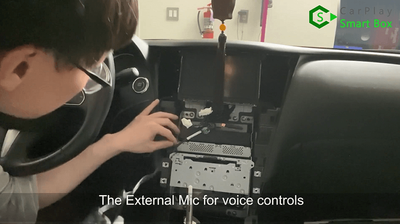 19.The external microphone for voice controls.