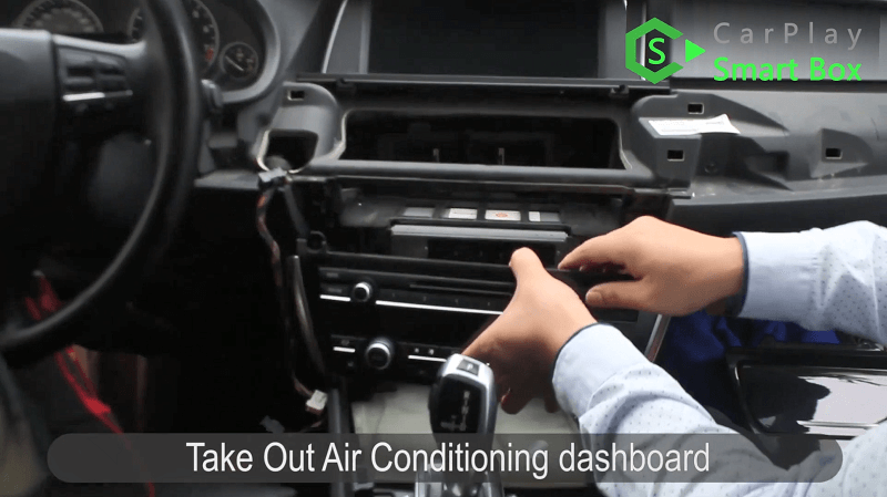 3.Take out air conditioning dashboard.