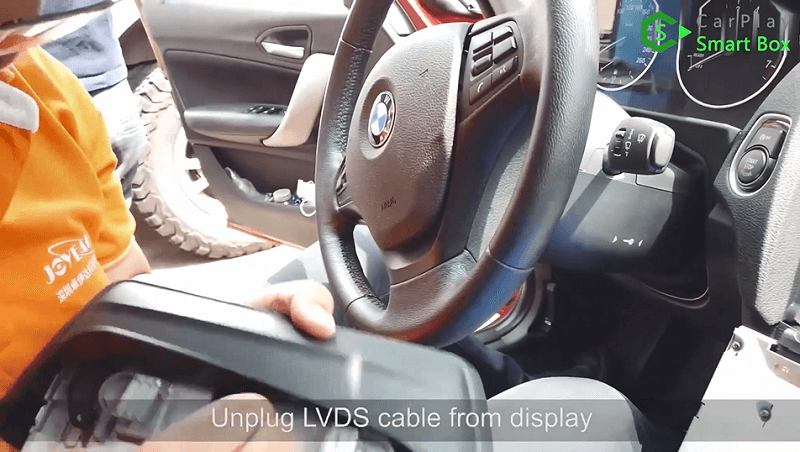 4.Unplug LVDS cable from display.