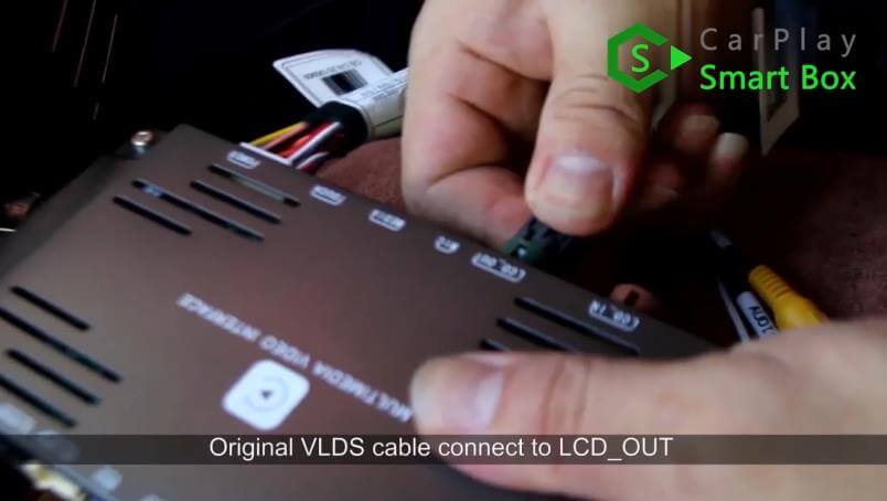 6. Original LVDS cable connect to LCD_OUT - Mercedes CLS 2015 NTG5.1 HU Wireless Apple CarPlay Installation - CarPlay Smart Box
