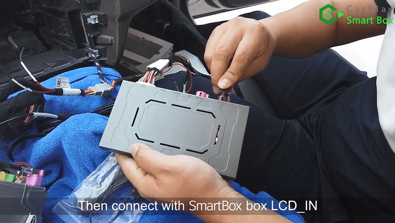 9.Then connect with Smart Box box LCD_IN.