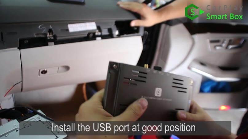 9. Install the USB port at good position - Step by Step Retrofit Mercedes E260 WiFi Apple CarPlay - CarPlay Smart Box