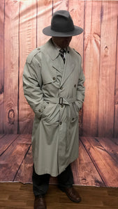 trenchcoat mantel berlin babylon