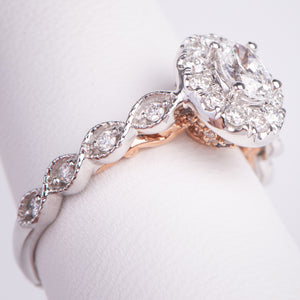 14kt White Gold Oval Shaped Diamond  Engagement Ring