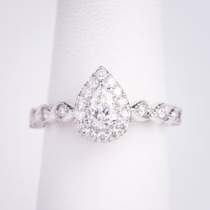 14kt White Gold Pear Shaped  Diamond  Engagement Ring