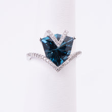 Load image into Gallery viewer, 14kt White Gold Blue Topaz Ring