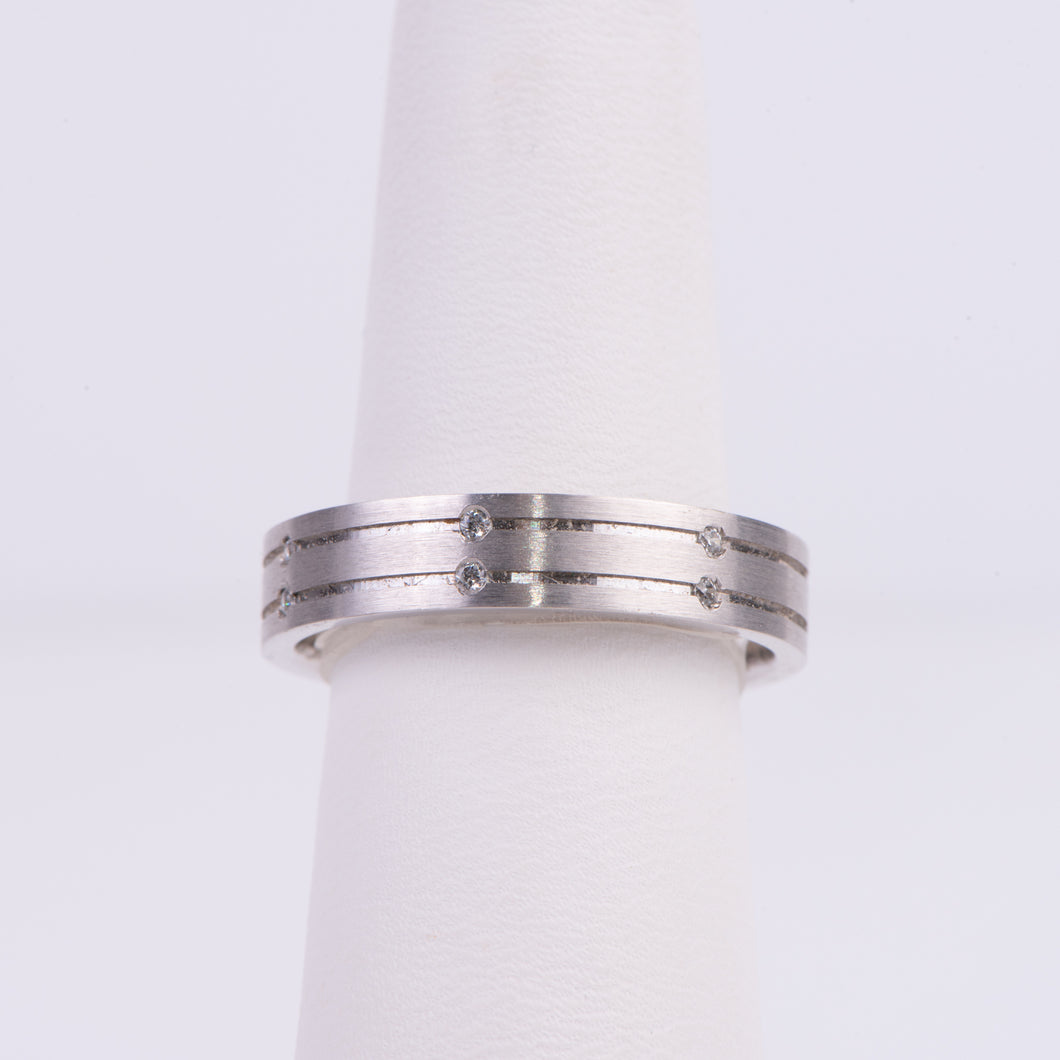 Men's 10kt White Gold and Diamond Wedding Band