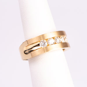 Men's 10kt Yellow Gold and Diamond Wedding Band