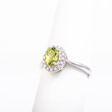 Load image into Gallery viewer, 14kt White Gold Peridot and Diamond Ring