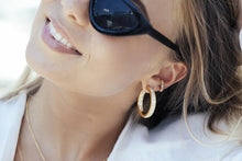 Load image into Gallery viewer, Ear Cuff Sumeri - 18K Gold Plated With Multicoloured Zirconia