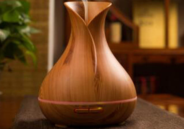 Humidifer and diffuser Add water and essential oil to create a lovely atmosplere