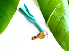 Load image into Gallery viewer, Short Tassel Keychain