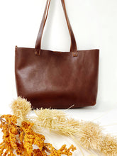 Load image into Gallery viewer, Bombshell Leather Tote Chocolate