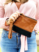 Load image into Gallery viewer, Colorblock Wristlet Sling Clutch