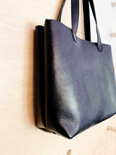 Load image into Gallery viewer, Bombshell Leather Tote Black