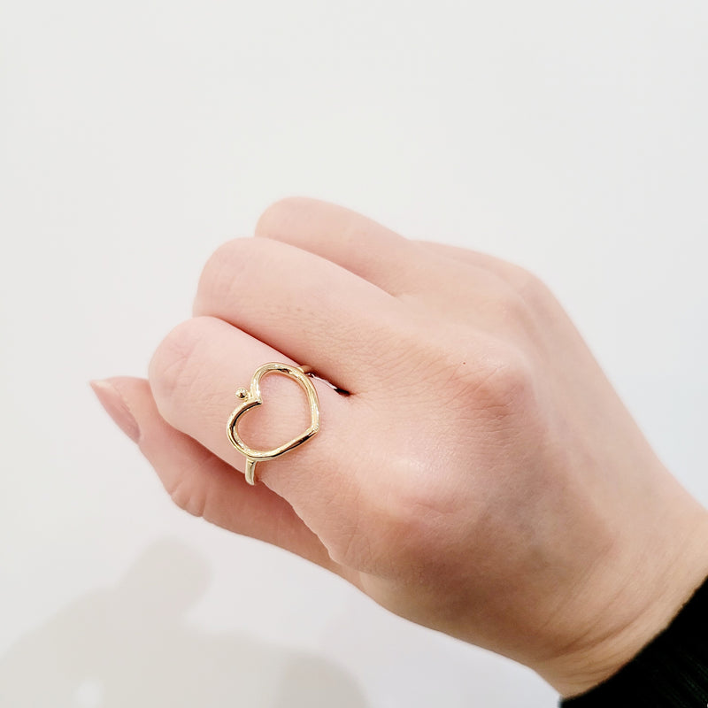 Open Curve Sweetheart Ring