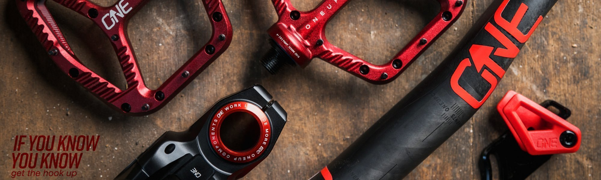 OneUp-Components-Banner-Santa-Cruz-Megatower-OneUp-Carbon-Handlebar-EDC-Stem-Grips-Purple-Front