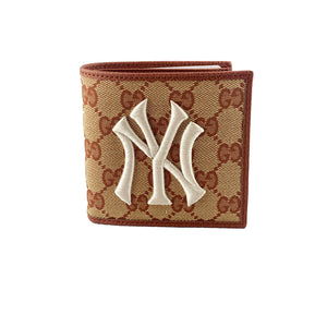 Gucci New York Yankees GG Supreme Wallet