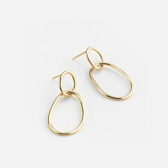 Organic wire oval earrings