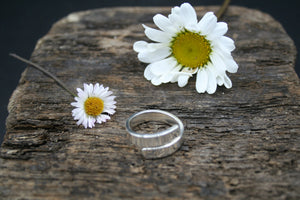 "Sterling Silver Ring. Polished crossover 5mm x 2mm ring size ""R"". (Adjustable)"