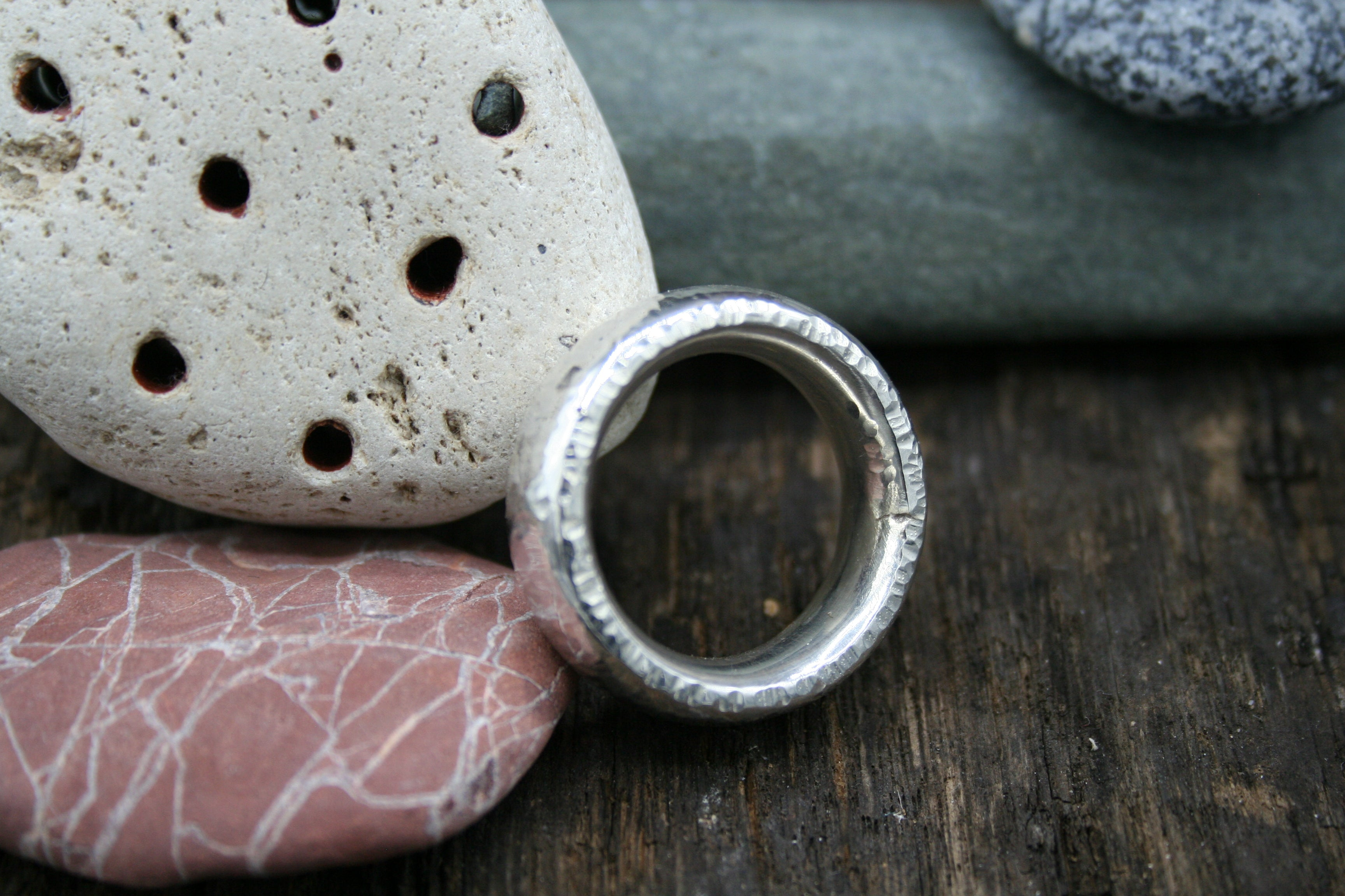 "Sterling Silver Ring. Oval 6.5mm hammered finish size ""Q ½"""