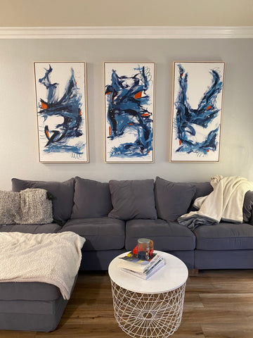 living-room-with-paintings
