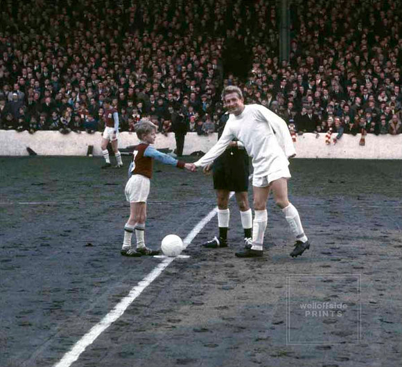 Denis Law with mascot - Burnley v Manchester United - 1967