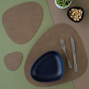 Curve Table Mat - Brown