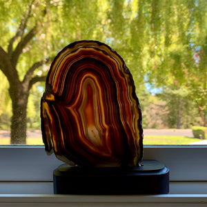 agate slice with stand