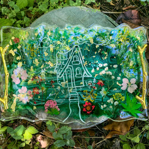 the cutest cottage - resin tray