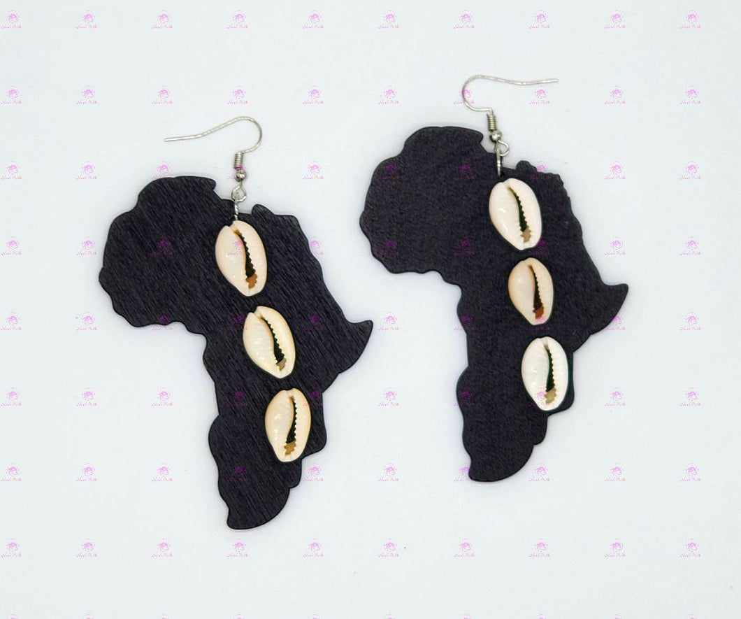 AFRICA COWRIE SHELL Earrings