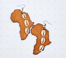 Load image into Gallery viewer, AFRICA COWRIE SHELL Earrings
