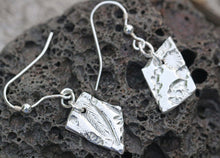 Load image into Gallery viewer, Fine Silver Textured Earrings