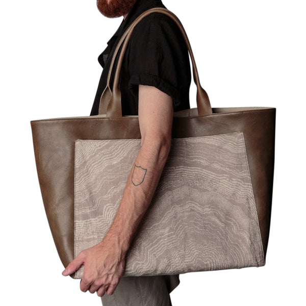 Apparatus Strata Leather Tote