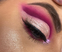 Load image into Gallery viewer, Diva Pigment - Makeup and Beauty Courses Online