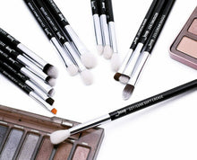 Load image into Gallery viewer, Professional 15 Piece Brush Set - Makeup and Beauty Courses Online